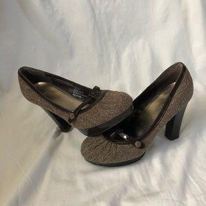 EUC Maurice's tweed platform heels sz 8.5